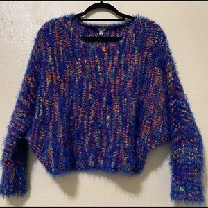 Ecoté fuzzy pullover sweater